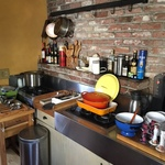 stove and kitchenware